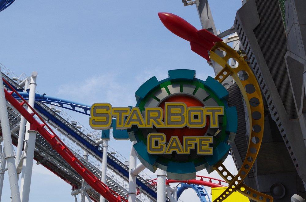StarBot Cafe - Transformers Merchandising