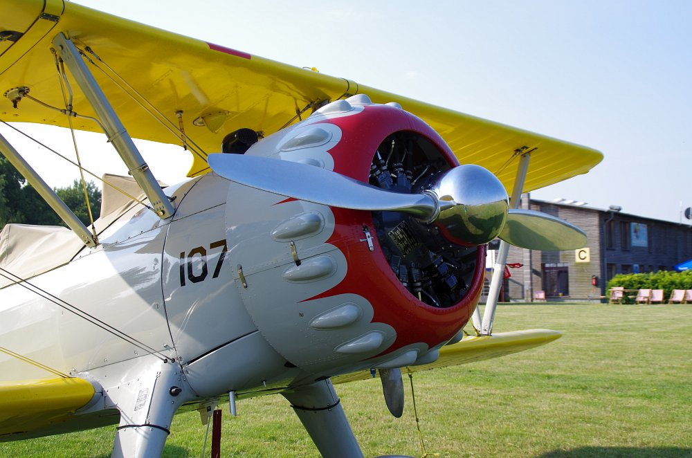 Stearman fly inn Bienenfarm 169