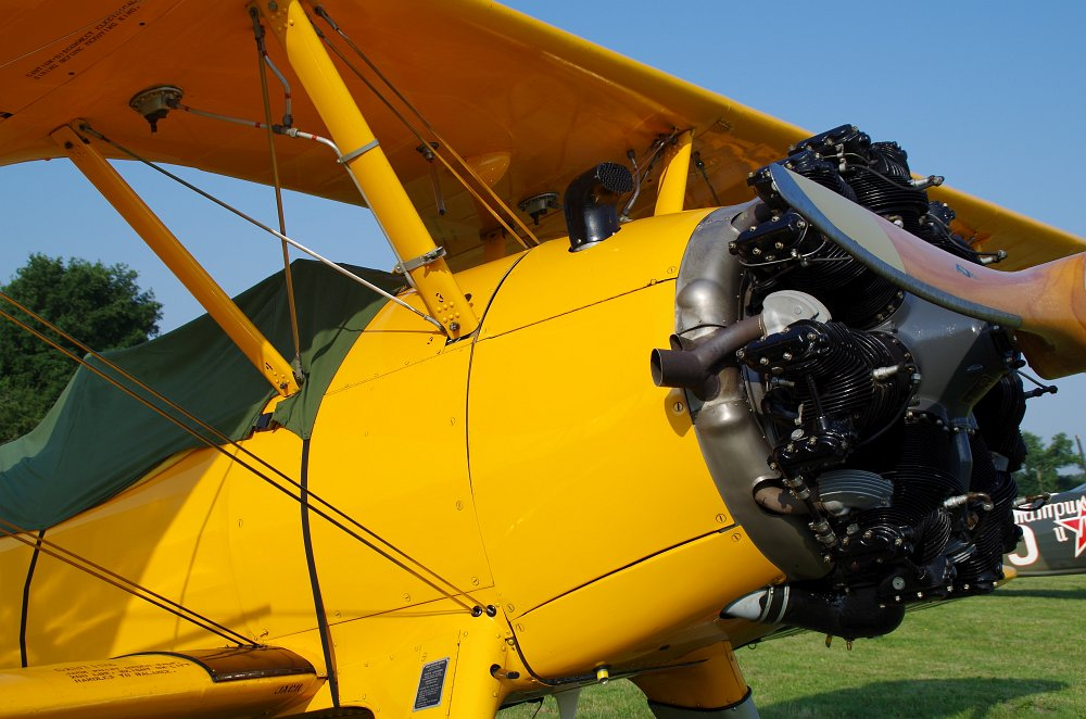 Stearman fly inn Bienenfarm 246